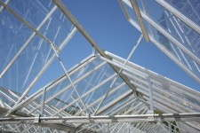 Metrolina added an A-frame above trusses to make the most of its push/pull system.