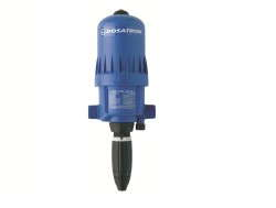 Dosatron's 40 GPM D8R fertilizer injector