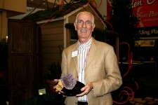 Gary Doerr of Blooms of Bressingham with the Reader's Choice award