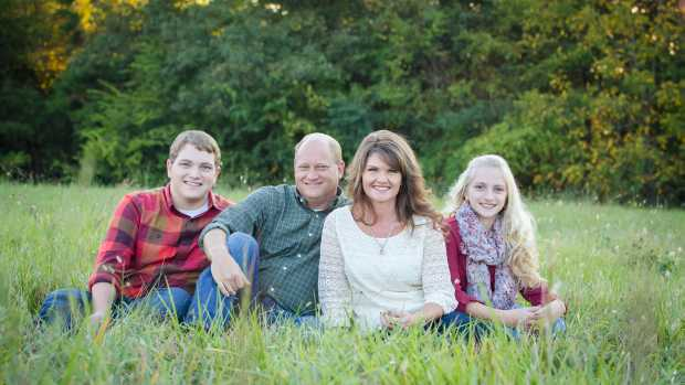 Ed van Hoven and family_American Color