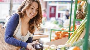 Shopper farmer market Vegetables
