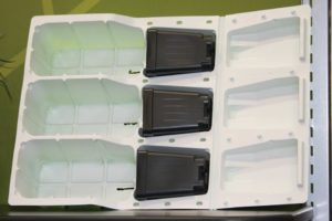 3.0 Locking Plant Guide Clamshell from Landmark Plastics