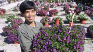 Japanese Breeder Ushio Sakazaki Wins Medal of Excellence Award for Industry Achievement
