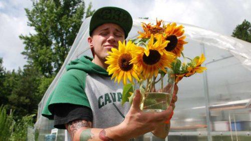 Cast Your Vote in National Garden Bureau's Therapeutic Garden Grant Program
