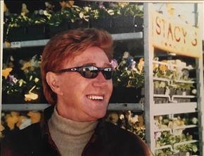 Perennials Icon Louis Stacy Dies