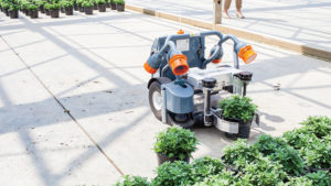 Harvest-Automation-Robot-at-Green-Circle-Growers-feature