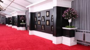 Suntory Blue Rose 'Applause' Takes Center Stage on Grammys Red Carpet