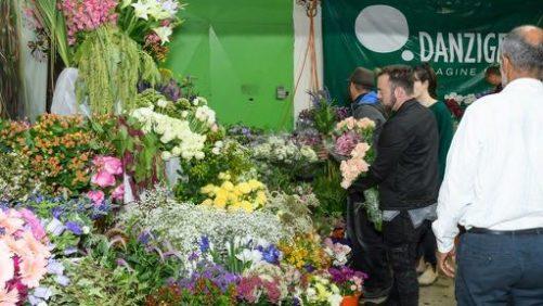 Danziger Holds Premier Design Event for Cut Flower Favorite