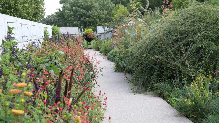 Greater des moines botanical garden hosting symposium in - Greater des moines botanical garden ...