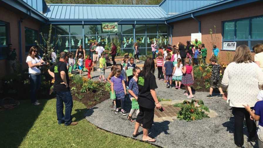 Scotts Installs Hydroponic Systems in Schools Across the U.S.